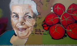 Λαχταριστή ΤΟΜΑΤΑ Υδροπονικής Καλλιέργειας στη Μεσσηνία, γράφει η Γιάννα.