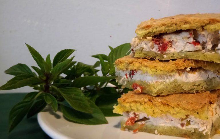 Λιαστή Ντομάτα με ανθότυρο σε ζύμη από βασιλικό και δυόσμο, γράφει η Γιάννα