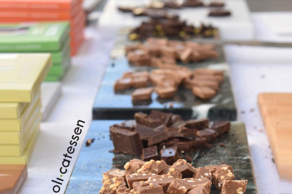 To Olicatessen γιορτάζει τη σοκολάτα στις 9 Απριλίου με δύο εκδηλώσεις έκπληξη.
