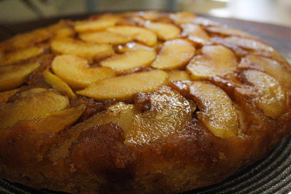 Ανάποδη μηλόπιτα με πρόβειο βούτυρο