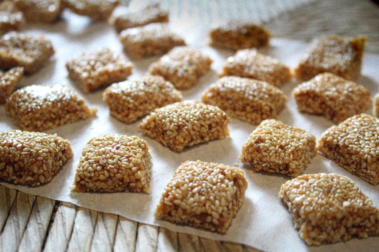 Εύκολο Παστέλι μόνο με Μέλι και Σουσάμι – Χωρίς ζάχαρη