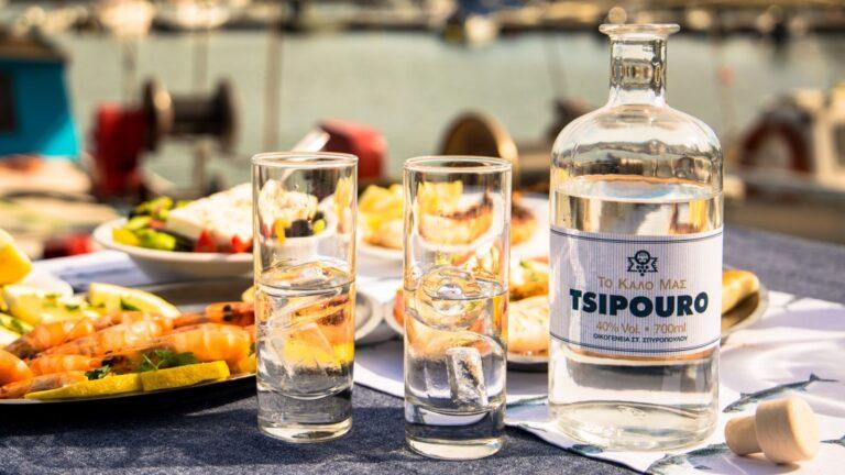Τσίπουρο Οικογένειας Σπυρόπουλου: Το παραδοσιακό Ελληνικό Απόσταγμα στο Πασχαλινό τραπέζι